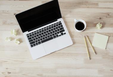 Probleme Formatierung: Laptop und Kaffee