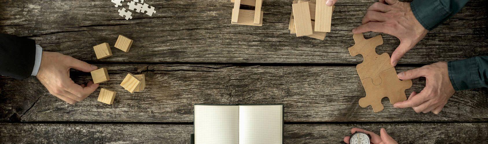 Inhaltlicher Aufbau eines Anschreibens: verschiedene Bausteine werden zusammengefügt