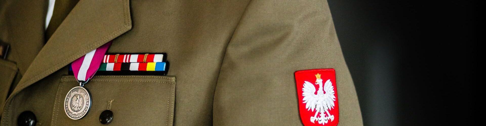 Wehrdienst, Zivildienst: Uniform Militär
