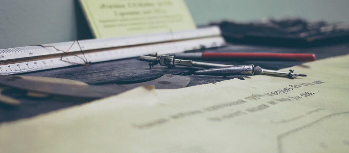 Zertifikate und Bescheinigungen © Sergey Zolkin_unsplash.com