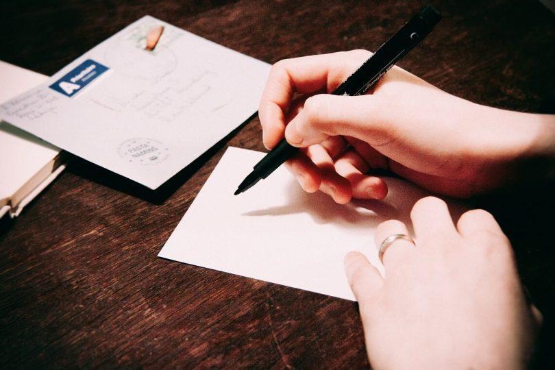 Beschriften Und Frankieren Des Briefumschlags Nicht