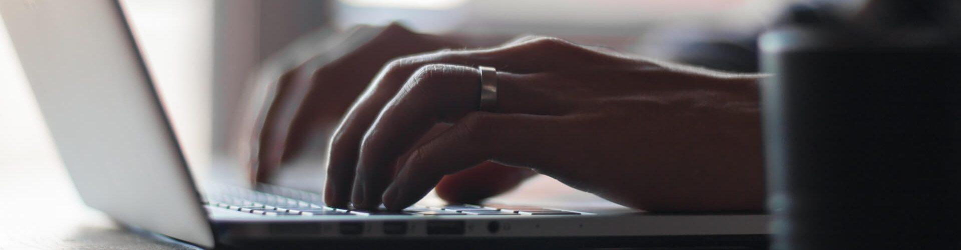Deutliche Bewerbungsschreiben verfassen: Schreiben am Computer