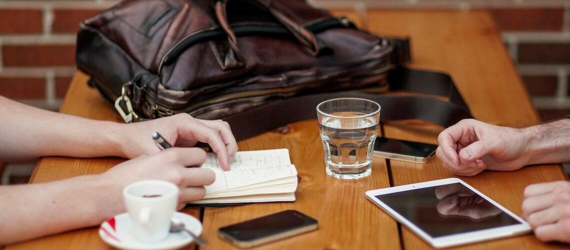 Arbeitszeugnis nachfordern © Alejandro Escamilla_unplash.com
