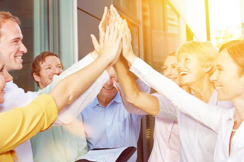 Sozialkompetenz - Team arbeitet zusammen