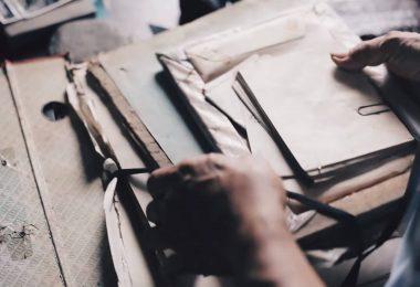 Kündigung - Zeitpunkt für das Arbeitszeugnis: Bild von Briefen